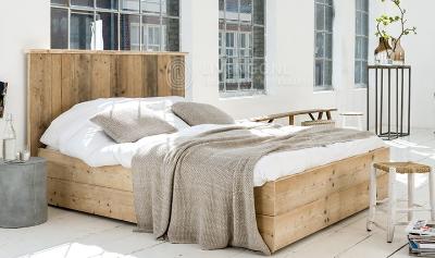 Steigerhouten-bed